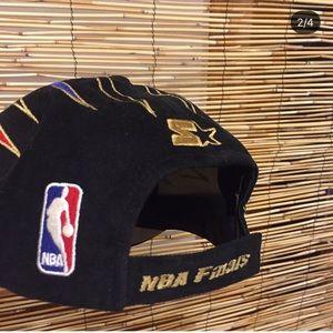 fc538e1799f STARTER Accessories - Bulls 1998 NBA champions hat